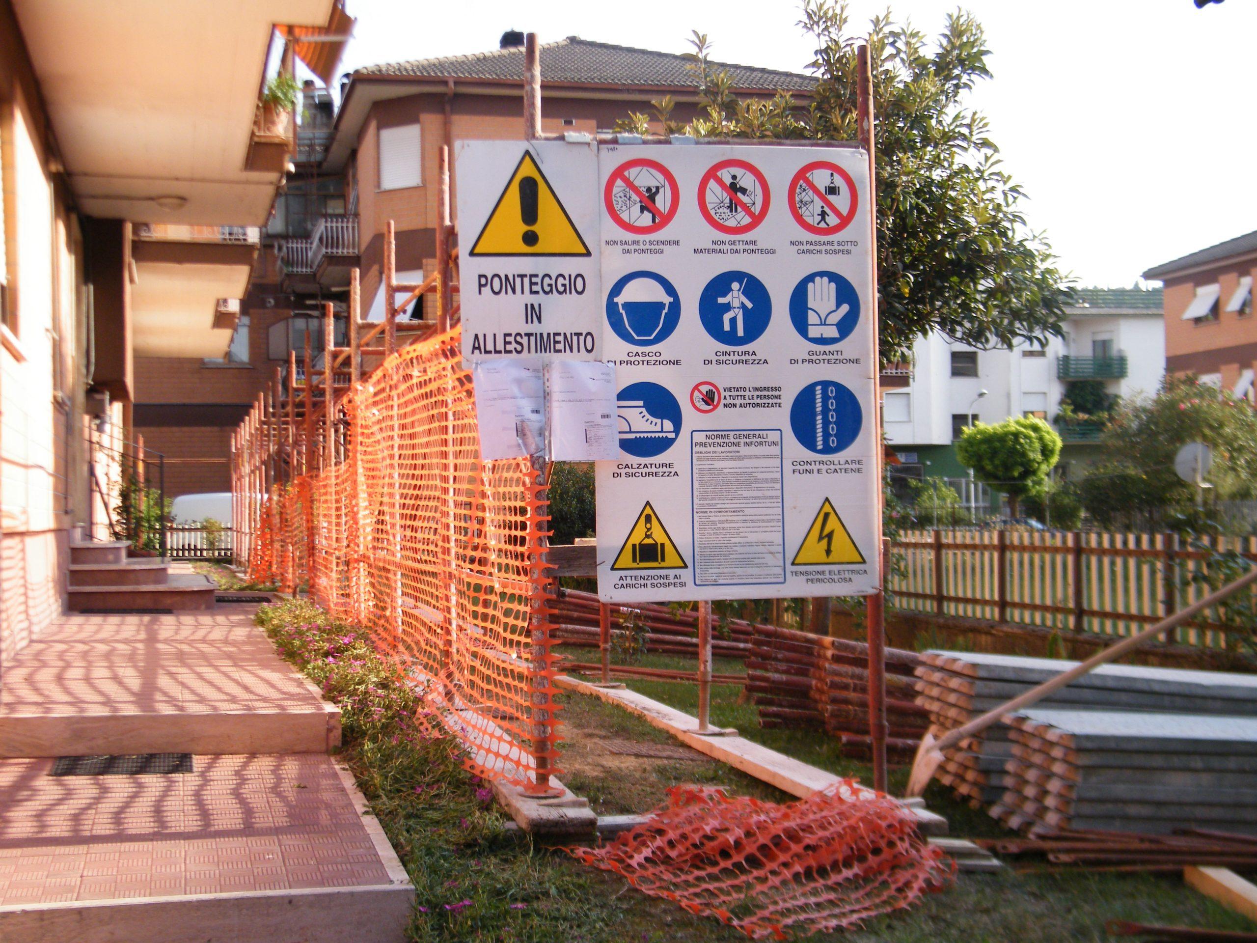 Manutenzione straordinaria della copertura del condominio di Via San Martino Civ.8, 02100 Rieti