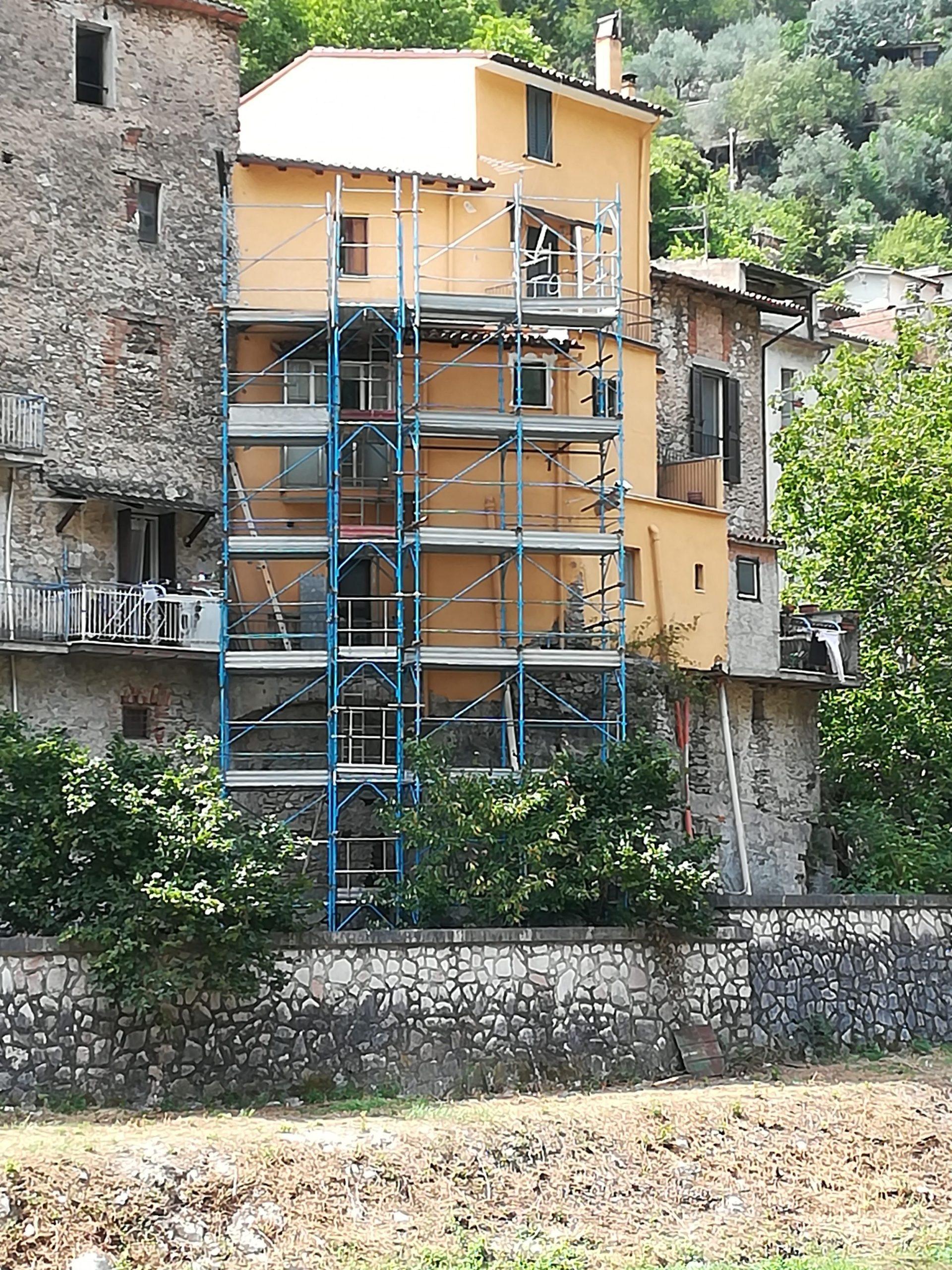 Intervento di riparazione danni lievi e rafforzamento locale di un immobile sito ad Antrodoco (RI) a seguito del sisma del 2016